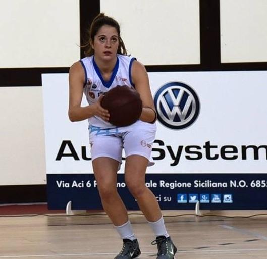 La StartingFive firma Camilla Tennenini